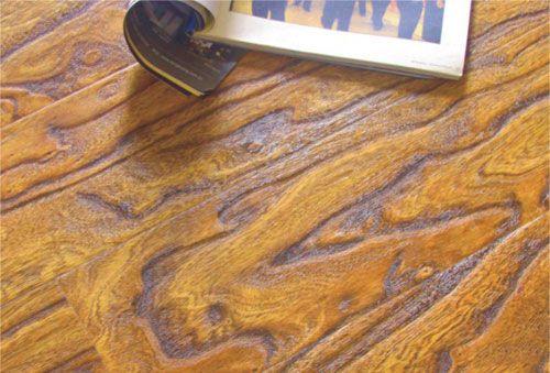 浅色强化地板